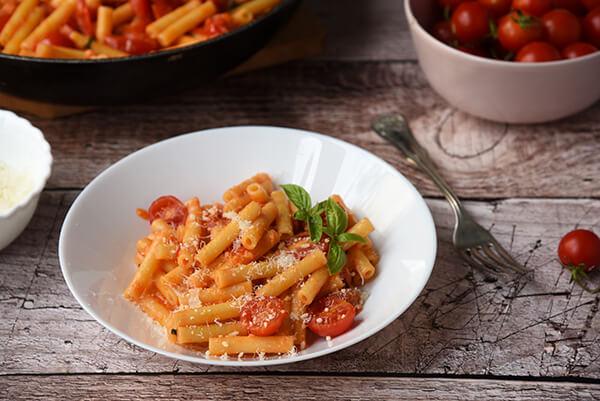 pasta al sugo scarpariello ricetta originale napoletana